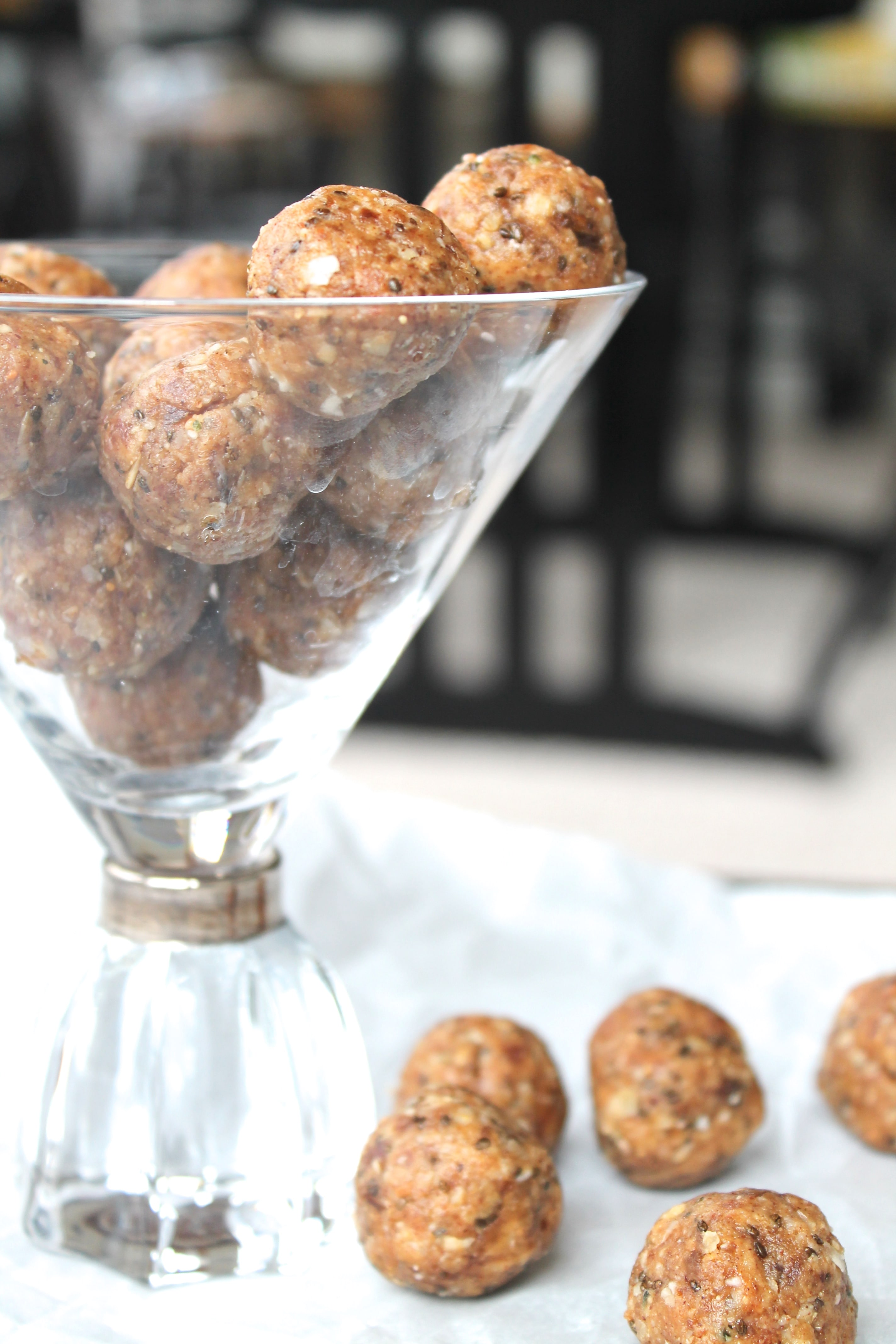 Almond Date Power Bites