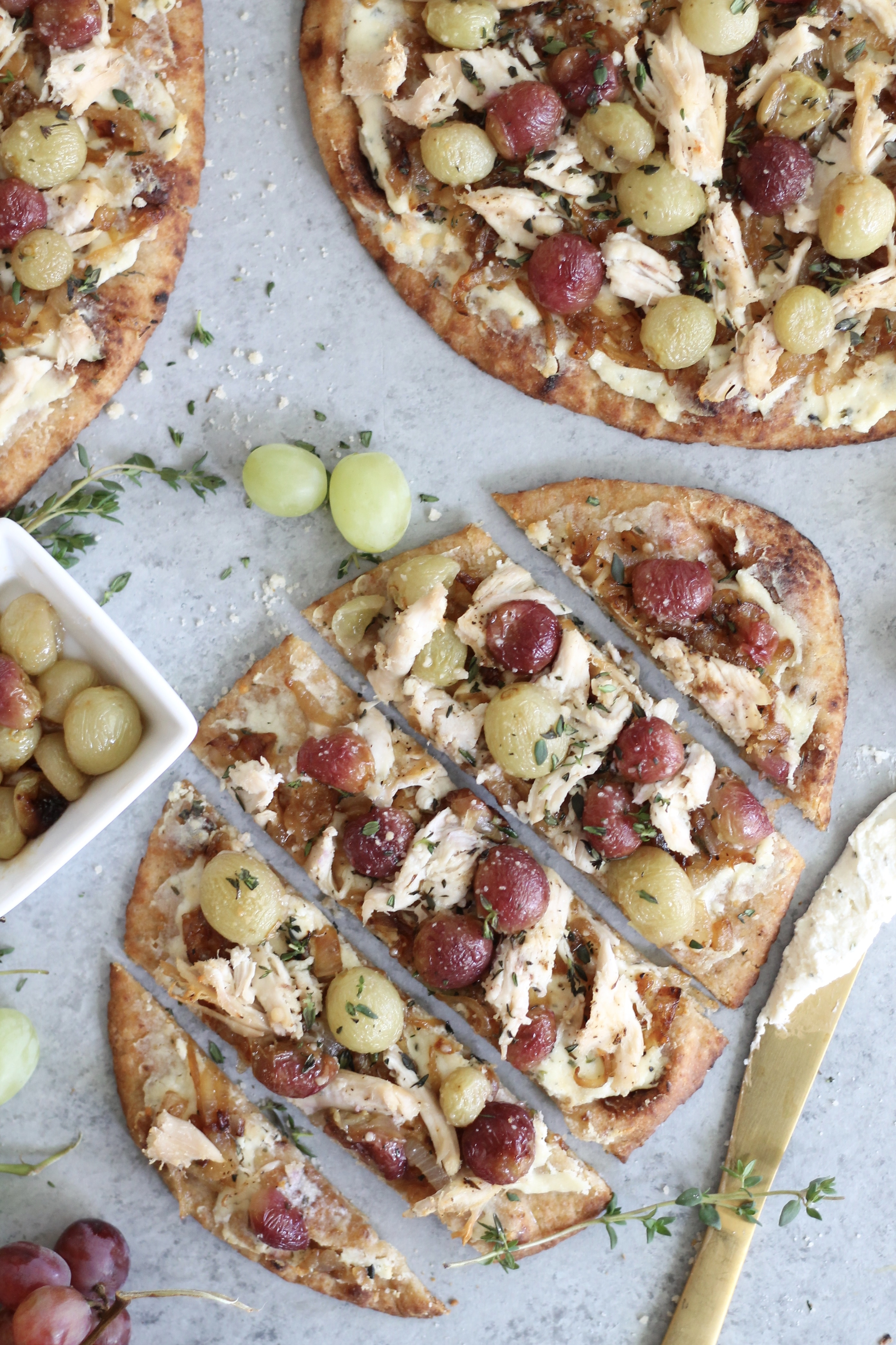 Roasted Grape Caramelized Onion Chicken Flatbreads with ...