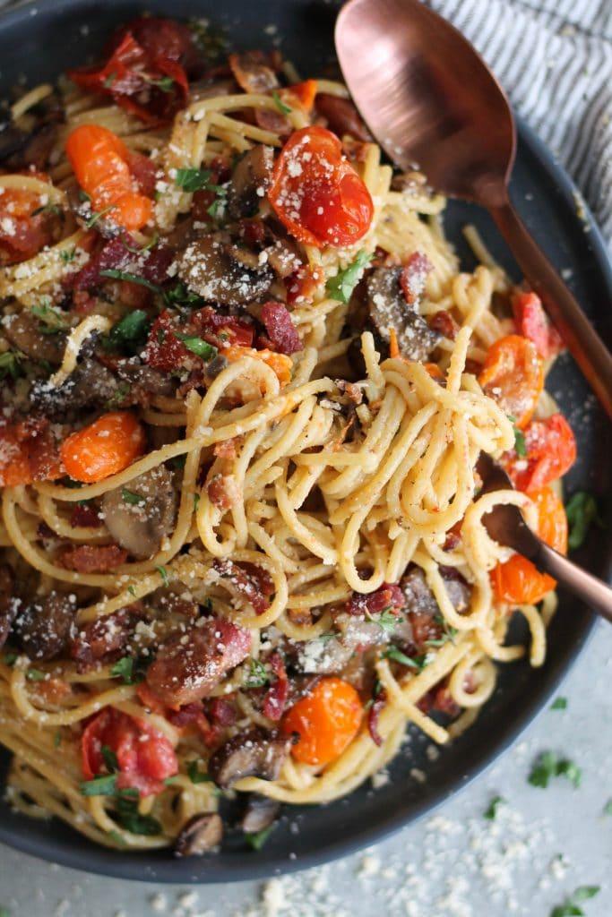Mushroom and Garlic Roasted Tomato Spaghetti Carbonara