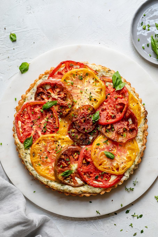 Heirloom Tomato Tart (with a cheddar crust & garlic + herb filling!)